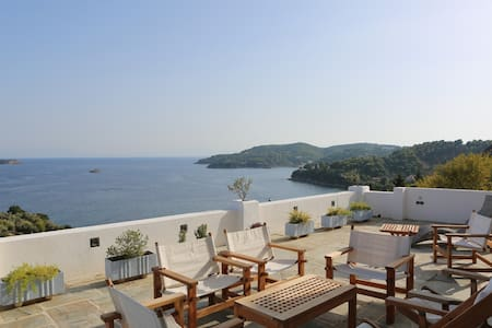 Villa with Breathtaking Sea View - Sporades