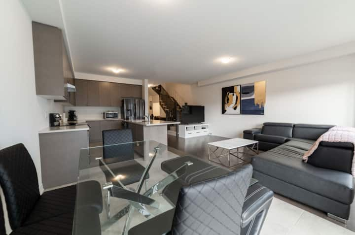 Brand New Executive 3 BR Townhouse -Beamsville