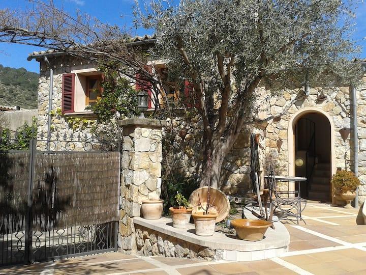 Preciosa casa-apartamento en Sierra de Tramuntana