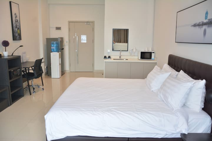 1. Superior Double Room W High Floor + RIVER-VIEW