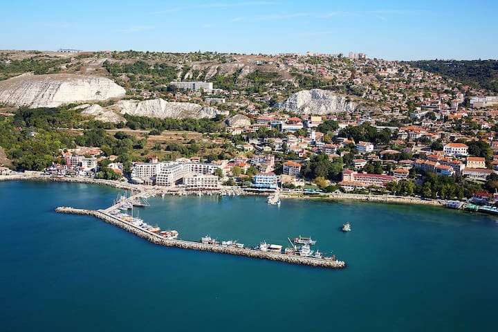Studio-apartment next to the beach - Balchik - Apartamento