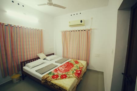 Le Linda's Homestay private room 2