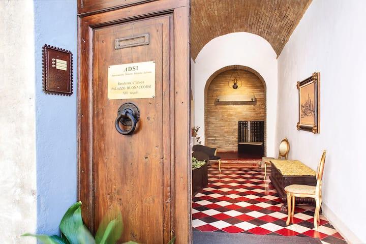 Historical Palace in San Gimignano