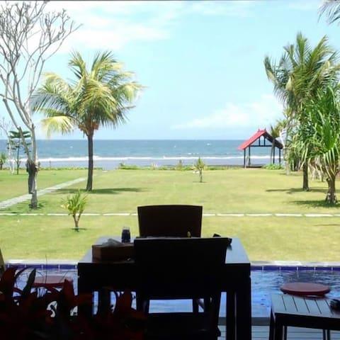 Private pool. Beach. 4 nice host - ネガラ - Vila