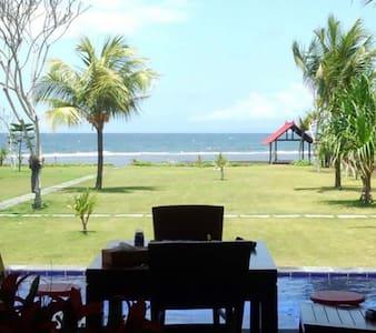 Private pool. Beach. 4 nice host - ネガラ