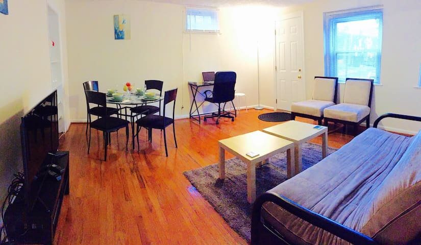 NearDC/Clarendon/Walk2Metro/freeparking/3beds/ROKU