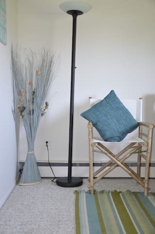 AffordableQuietCozyGuestroomByTheBay $50dy $335wk - East Moriches