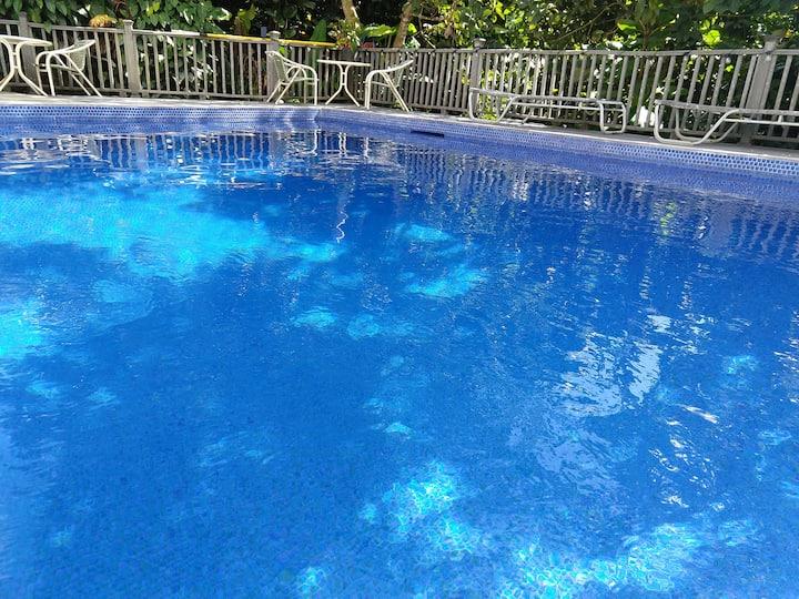 Private Greek Villa with Stunning Hawaiian Views