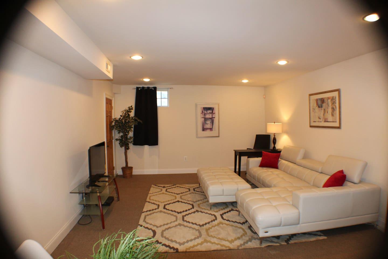 Large bonus lounge area