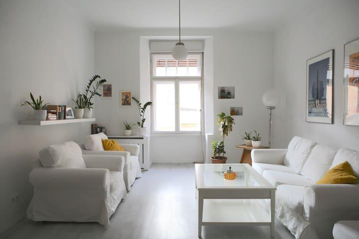 Thalia Apartment