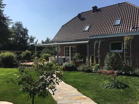 """""""Biały domek"""" ładny pokój w pobliżu Papenburga"""