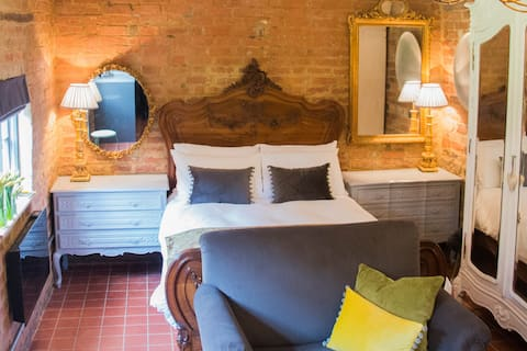Topiary Barn - Stylish Accommodation in Rutland