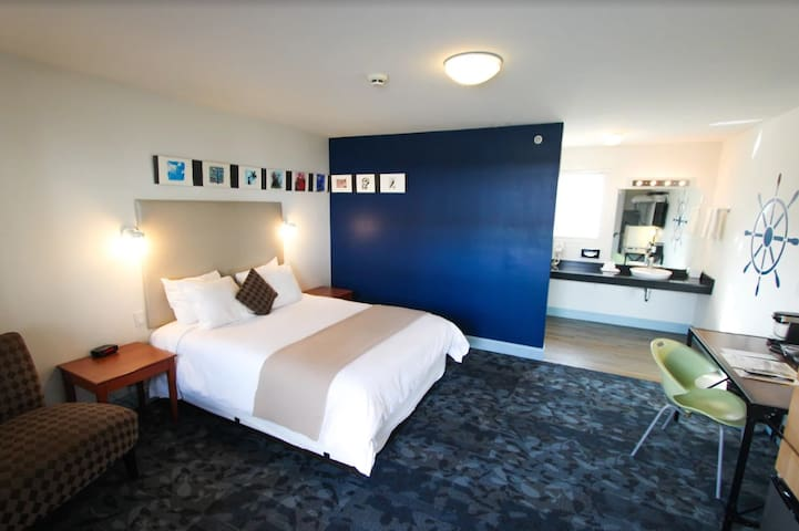 Greenport Boutique Hotel-King Room