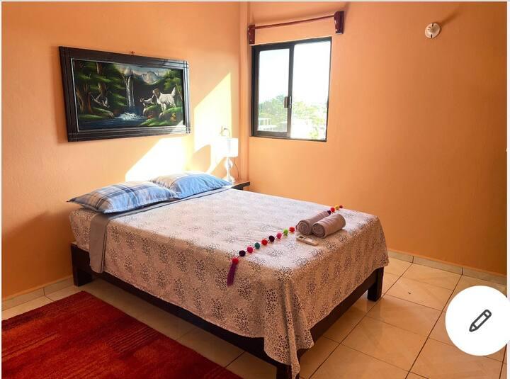 Palenque Centro, Clima, Cocineta, WIFI, Facturamos