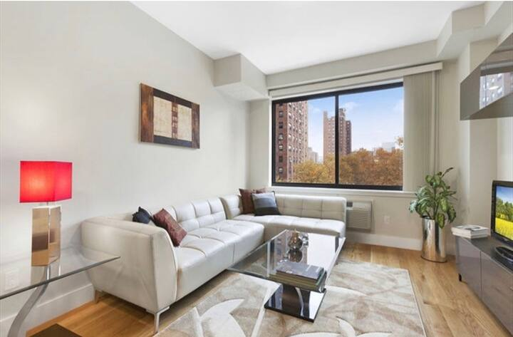 Luxurious apartment a block away from Times Square