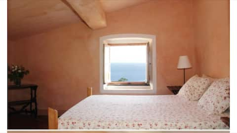Private room in restored farmhouse, Cinqueterre