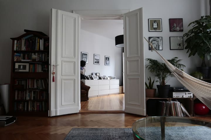Wonderful big apartment in the heart of berlin