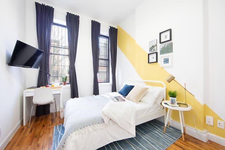 Bright Private BR in Fort Greene Cumberland