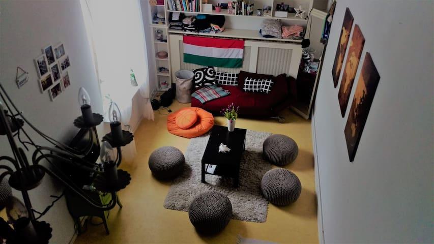 Cosy, well-located Studio Apartment near Zoo