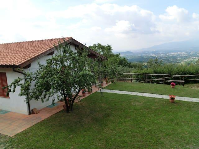 """""""la vigna"""" Casolare tra le colline lucchesi - Capannori - Casa"""