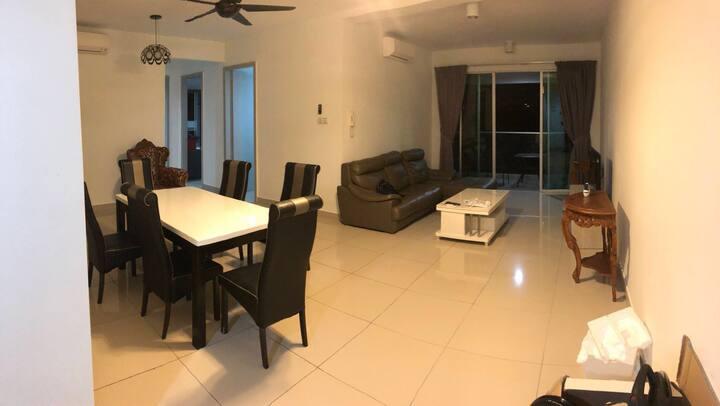 馬來西亞吉隆坡看到見夜景 而且設備堪比酒店的房子