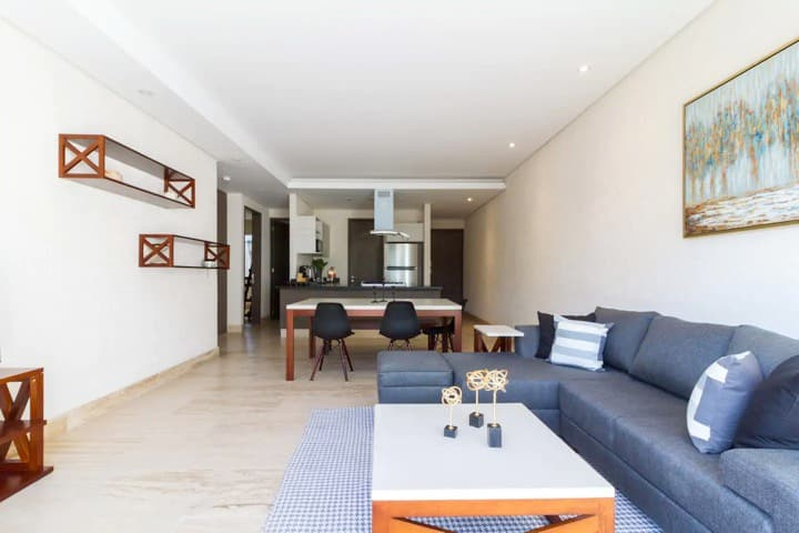 Awesome apartment, close to everything A/C+Terrace