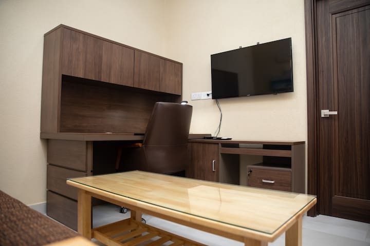 Executive Desk & Hutch with Extra Storage & Satellite TV