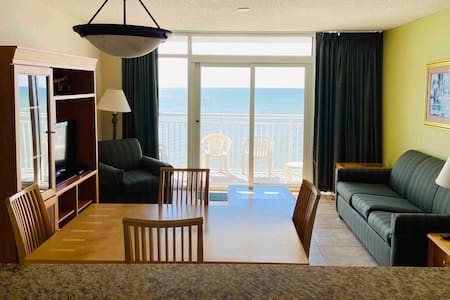 PH66 Upgraded Oceanfront 2-br condo in Broadwalk