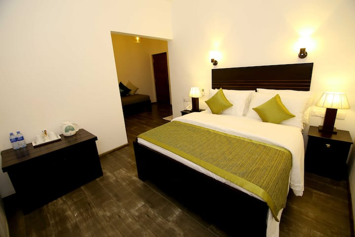 Luxury Double Room, Hill Crest Villa Kandy