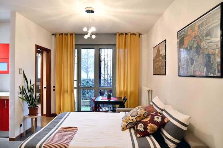 Modern flat, 15 min direct subway to Piazza Duomo