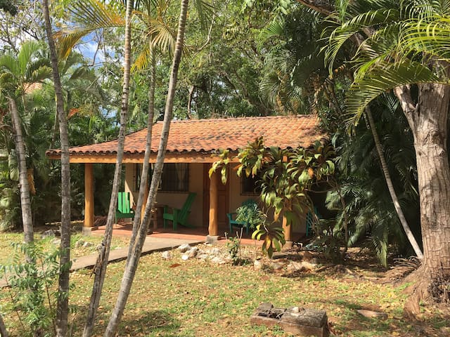 Playa Negra Villas, Surf & Yoga - Los Pargos - Bungalow