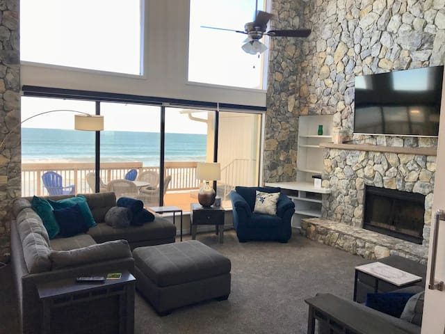 *Fall Sale* Luxury, Ocean Front 3 Bed/2 Bath Suite on Melbourne Beach - Spectacular Views!