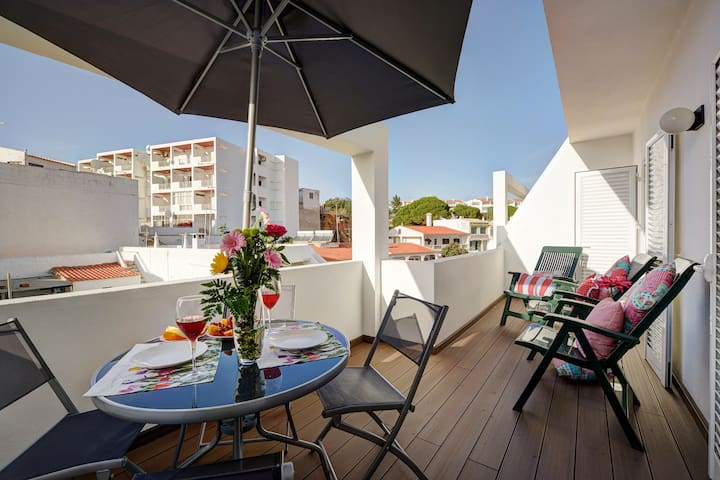 Beautiful Apartment minutes from the Beach