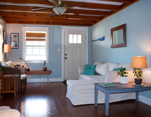 Lovely Outer Banks Shared Space for Females!