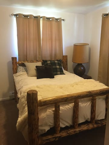 Cozy home in Golden. Can walk to CSM or downtown. - Golden - House
