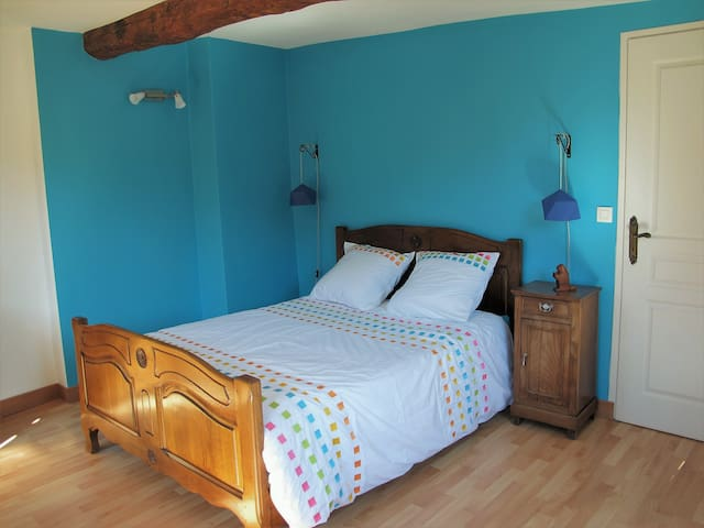 Le Vert Nid, chambre accueillante près de Giverny