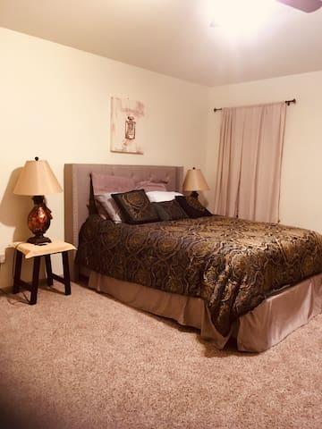 Queen-sized Hutto Room