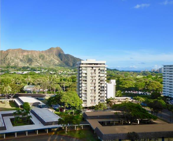 Awesome View Condo 1 block to Waikiki Beach