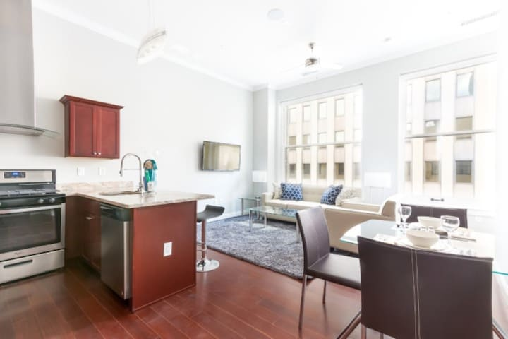 Pittsburgh's Finest 2 Bedroom in The city | Views