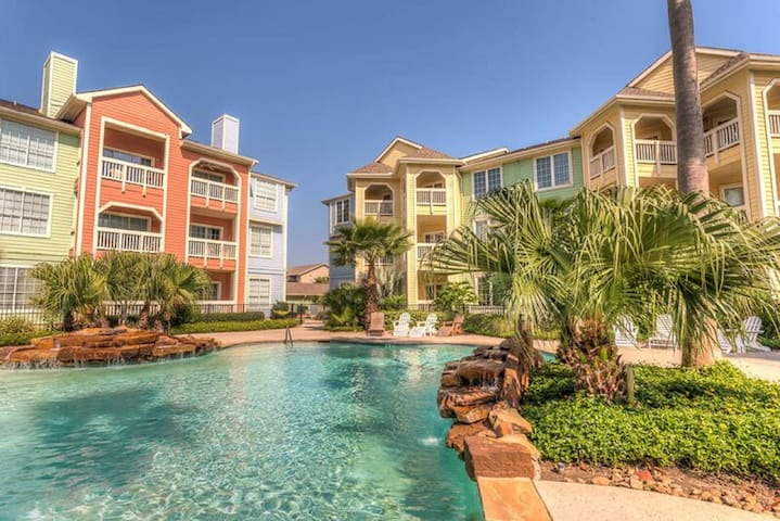 Luxurious Seawall Condo with Gulf Beach views - Galveston - Condomínio
