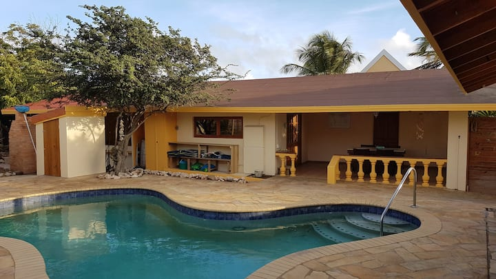 Full privacy! House, apartment & pool