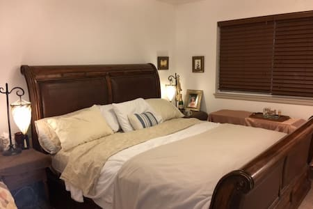 Beach Dr. Private Bedroom - 波尔斯波(Poulsbo) - 独立屋