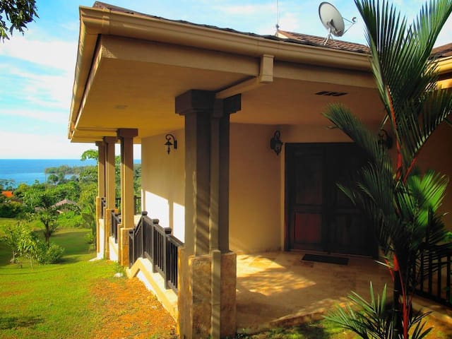 Private Villa at Red Frog Beach - Bastimento - Huvila