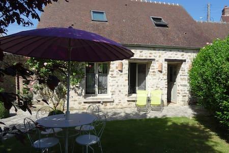 Cottage near Senlis 10mn A1 - 40mn North Paris