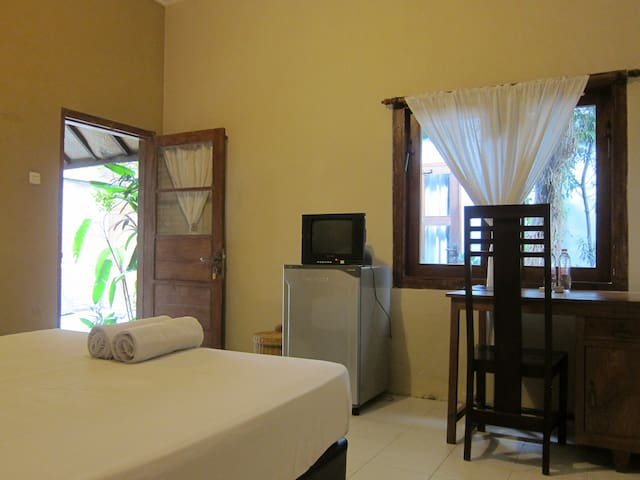 Compact room Rinjani at Atmosudomo homestay