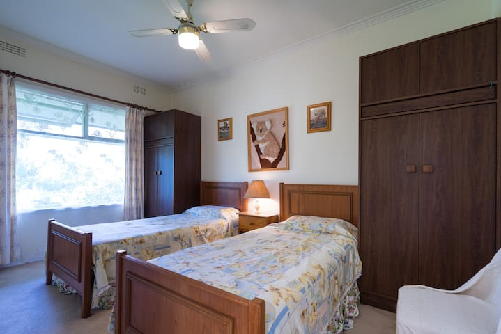 BEDROOM  3 FOR YOUNG ADULTS OR CHILDREN