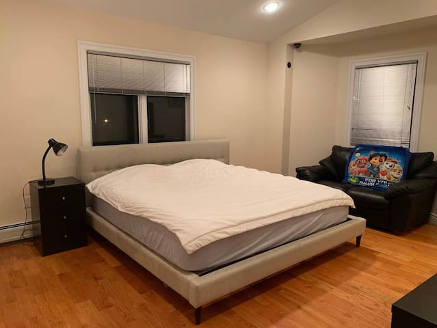 Deluxe master room / Close to NYC