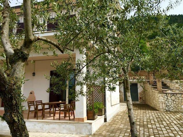 Casa Vacanze del Borgo - Roccacasale - Lägenhet