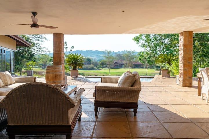 African Dream Villa-Bayhill 99