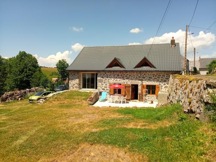 Gîte neuf sur les Hautes Terres du Cantal